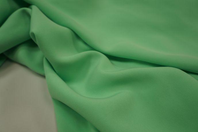 Барби костюмная яркая зелень