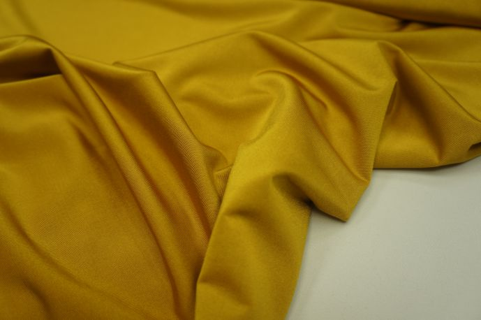 Кристалл золотисто-желтый