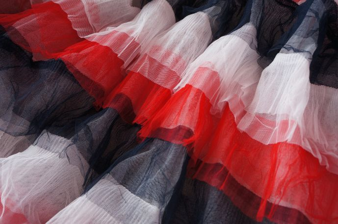 плательная ткань с рюшами из фатина