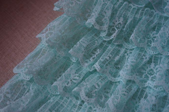 плательная ткань с рюшами из гипюра 2