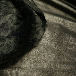 Дубленка черная