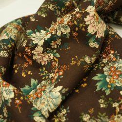 Лен цветы на коричневом фоне