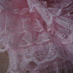 плательная ткань с рюшами из гипюра 6